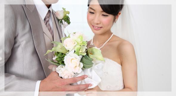 結婚式費用は早めに貯める