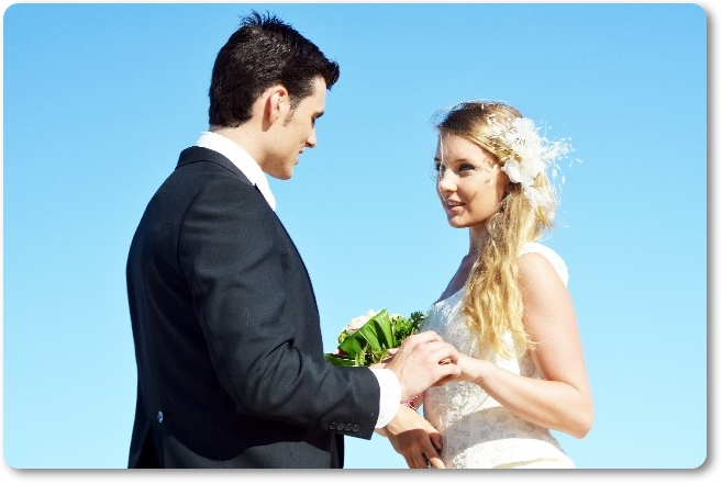 キャッシング利用者は論外?年収300万円時代の婚活